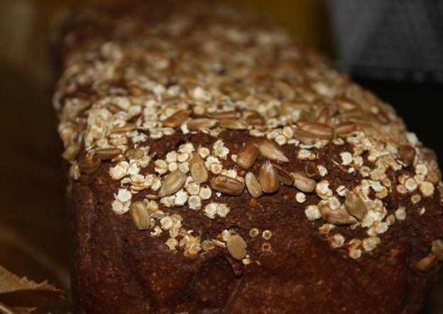 www.foodulution.c… – Knuspriges Paleo-Topinambur-Brot – Das Brot ist saftig un…