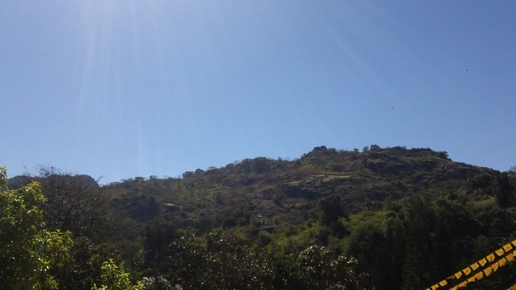 a small view of the wonderful aravali mountains, mount abu