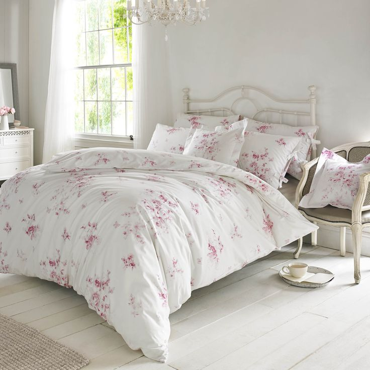 Holly Willoughby, Olivia (Raspberry) bedding