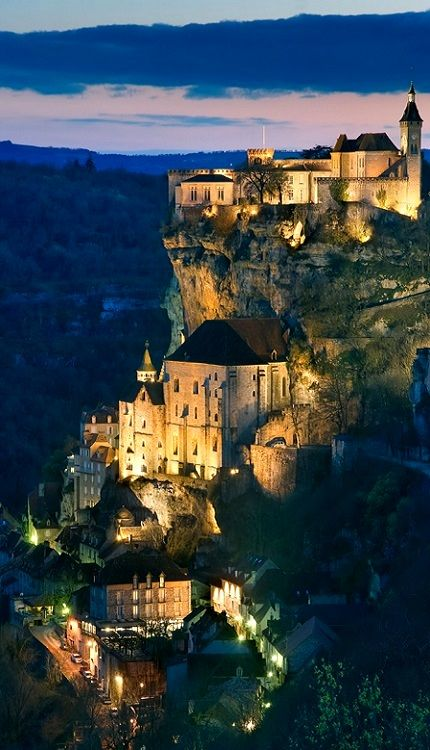 Rocamadour en région Midi-Pyrénées. Village véritablement charmant et exceptionnel comme on peut le voir sur la photo. N'hésitez plus pour vos vacances ! #france #rocamadour