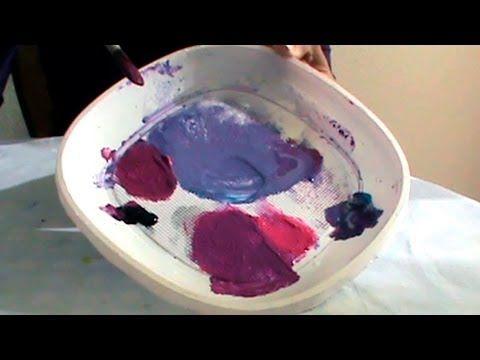 Tutorial sencillo sobre mezclas de color para aprender a hacer violeta, violeta rojizo, violeta azulado, frambuesa, granate. Por la pintora Marta Ferreras.