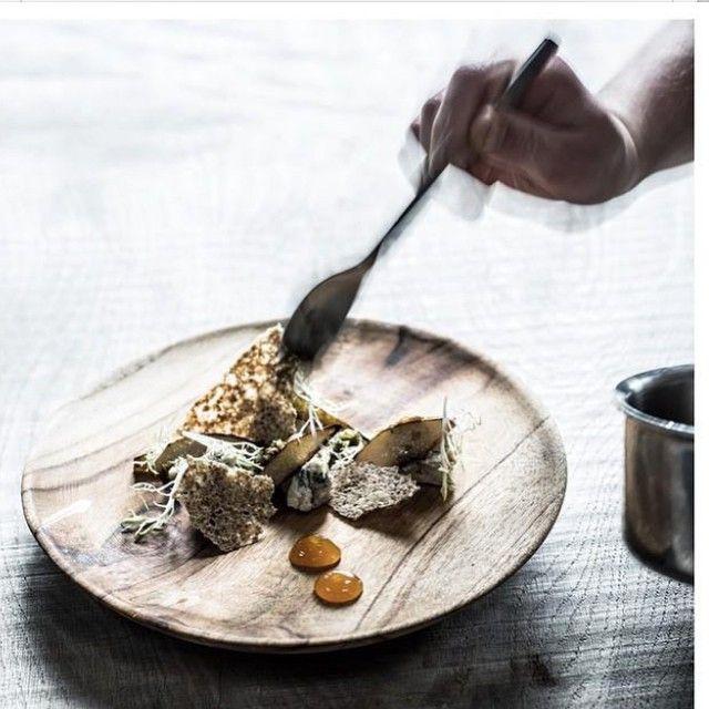 Foodstyling #Muubs #teak #atelier1b #madogvenner @martinkaufmann