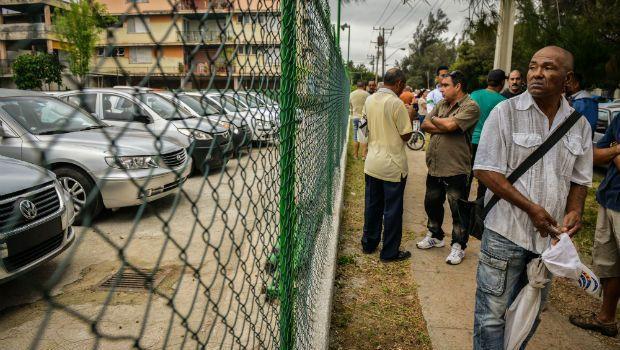 Cuba: autorizzata l'importazione di auto straniere che i cubani non possono permettersi