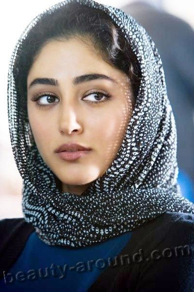 golshifteh farahani best iranian actress photo in hijab