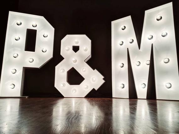 Large Wedding Marquee Letters Large Light Up Numbers Freestanding Large Letter Lights Illuminat Giant Wedding Letters Large Wooden Letters Bruiloft Achtergronden Bruiloft Tekening Feesttent Bruiloft