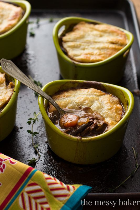 Steak and Mushroom Pie | www.themessybakerblog.com #SundaySupper