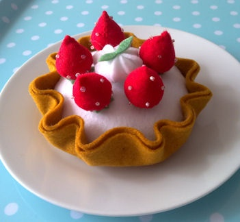 Felt food - strawberry tart//no tutorial or pattern