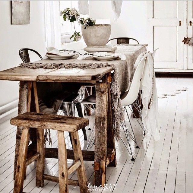 """""""Fantastisk bilde fra dyktige @vintagepiken  #interior #wood #white #lineKAY #beauty #inspirasjon #styling"""""""