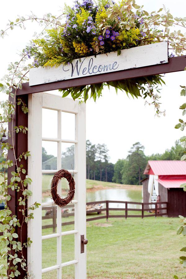Creative entrance: Doors, Decor, Wedding Ideas, Country Wedding, Garden, Weddingideas, Outdoor Weddings, Rustic Wedding
