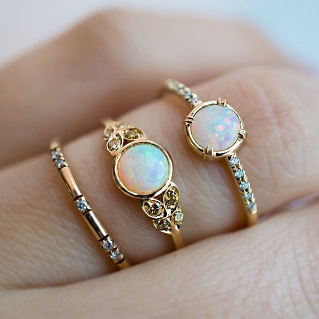 I know you want one more  of these beauties before the snow storm ! Our Constellation band and two lovely Australian Opal rings - our Edwardian style ring with Australian Yellow Diamonds and our Else Secret Diamond ring with white Canadian Diamonds. All are available in 14k Recycled Yellow, White, or Rose Gold. ✨Which is your favorite?? ✨