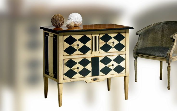 www.smellinkclassics.nl | Small exclusive furniture | cupboards | Side Table | Classical and Rural | funny accents