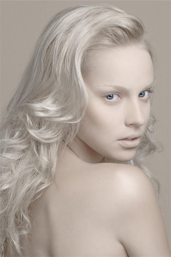 Best 25 Model Home Decorating Ideas On Pinterest: Best 25+ Albino Model Ideas On Pinterest