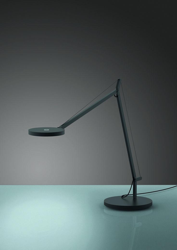 DEMETRA table, design by Naoto Fukasawa http://bit.ly/l1Arff
