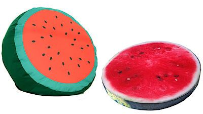 Posezení na zahradě, verandě nebo balkonu dodají šťávu polštáře s motivem melounů.