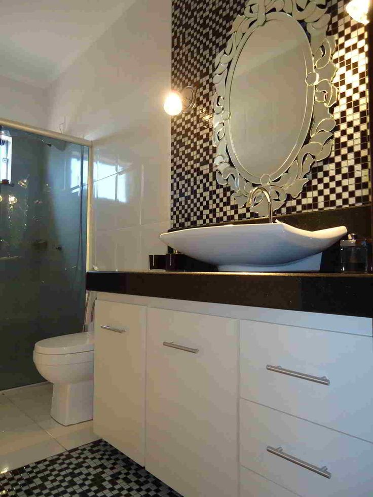 banheiros com pastilhas 12 windsor castleblogsearchingbeautiful bathrooms mirrorssalon ideastoilet ideastilestraditional - Mirror Tile Castle Ideas