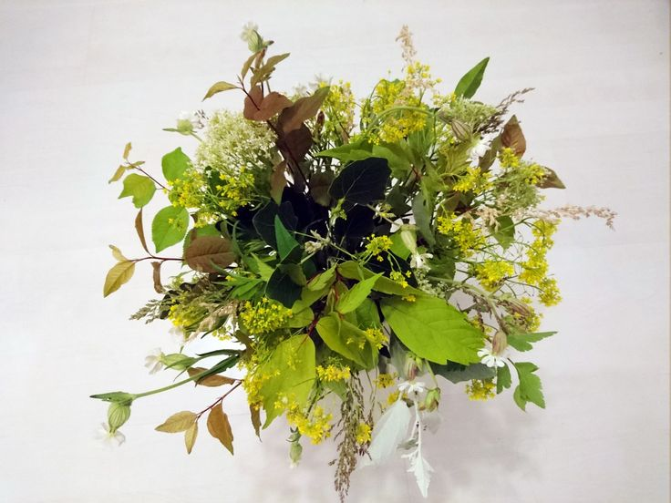 Spring is green #green #greenbouquet #bouquet #wildflowers #greenflowers #leaf