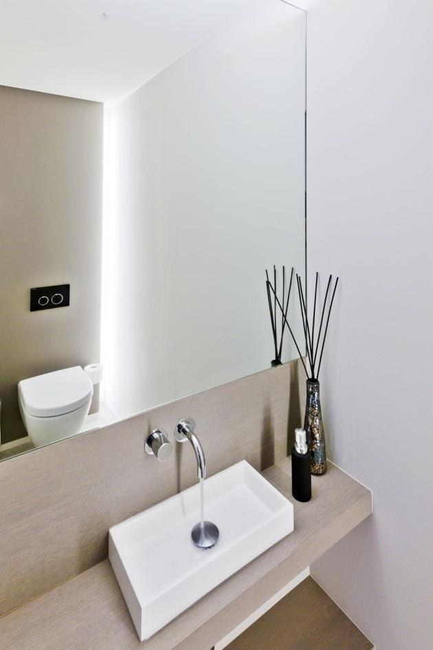 25 beste idee n over indirecte verlichting op pinterest binnenverlichting moderne badkamer - Badkamer in lengte ...