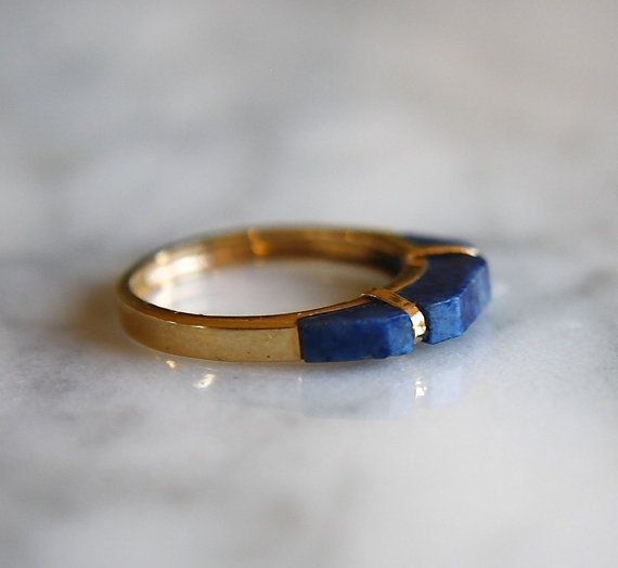 Beautiful antique circa 1960s lapis lazuli geometric stacking ring. Solid marked 14K gold. In excellent condition. Size 4.75. Can be resized by a