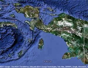 Tips Perjalanan ke Papua  Papua adalah pulau terbesar kedua dibumi yang terkenal karena seni tradisional, budaya, satwa liar dan pemandangan alam yang menakjubkan dengan bahasa adat lebih dari 250 bahasa yang berbeda. - See more at: http://www.tiketpesawatklaten.blogspot.com/2013/09/tips-perjalanan-ke-papua.html#sthash.tmRmuXnU.dpuf