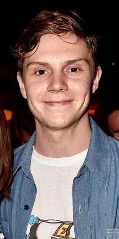 Bedimpled and gorgeous as ever, Evan Peters. Follow rickysturn/evan-peters