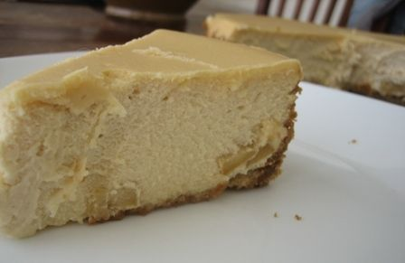 brown-sugar apple cheesecake:  (  I would use a tarter apple than she recommends, probably a macintosh, and then top it w/ a caramel sauce.): Sugarappl Cheesecake, Brownsugar, Brown Sugar Apples, Sugar Apples Cheesecake, Sweet Treats, Favorite Recipe, Yummy Treats, Brown Sugarappl, Fall Desserts