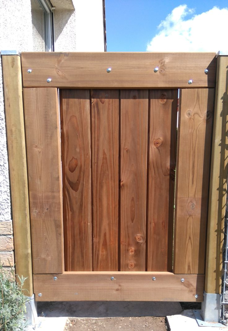 Barri re de jardin portillon en bois portillon pinterest for Portillon de jardin largeur 1m20