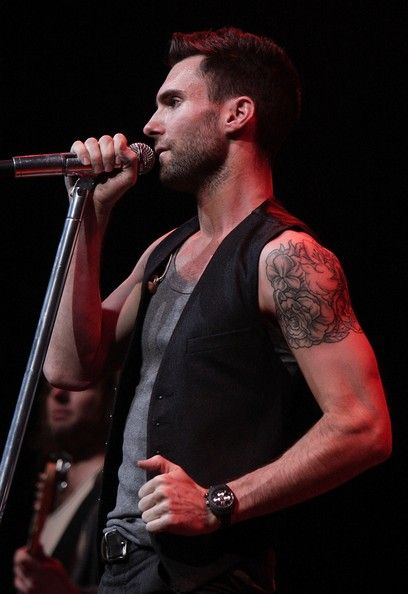 Adam Levine Photos Photos - MTV leads up to the 2007 Video Music Awards with Maroon 5 and Robin Thicke performing together at 'VMA Fandemonium: A Concert To Benefit Lifebeat' on September 8, 2007 at The House of Blues at The Mandalay Bay Resort
