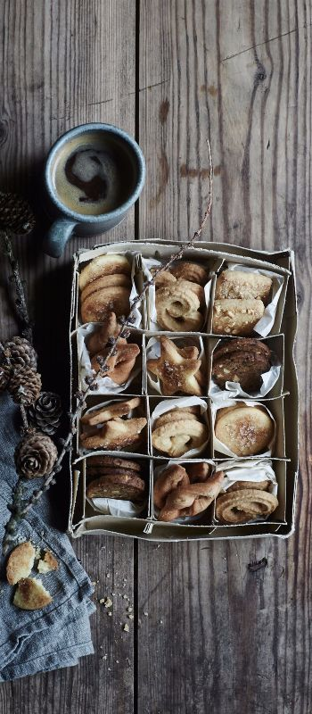 From our favorite Christmas cookies to the best tips, tricks, and recipes for year round baking, this is your one-stop-shop for all things cookie-related.