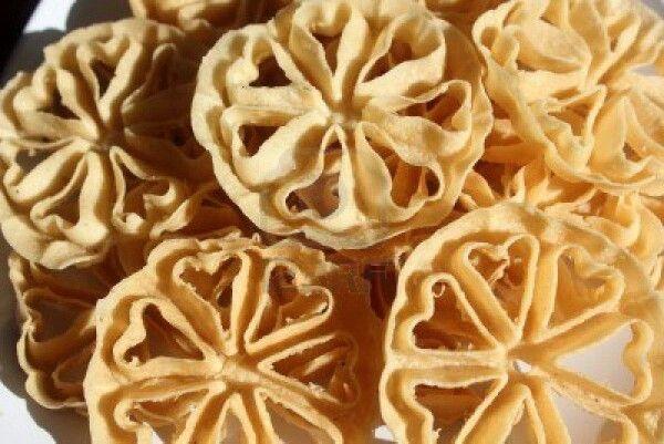 Kembang goyang - Indonesian sweets