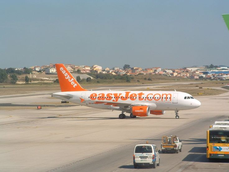Easyjet Lisbon Airport Portugal / The flight with easyJet from Lisbon to Basel runs over 2:45 hours, the time difference is one hour ahead.