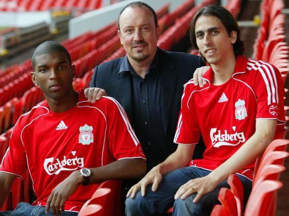 Ryan-Babel & Yossi Benayoun with Rafa Benitez