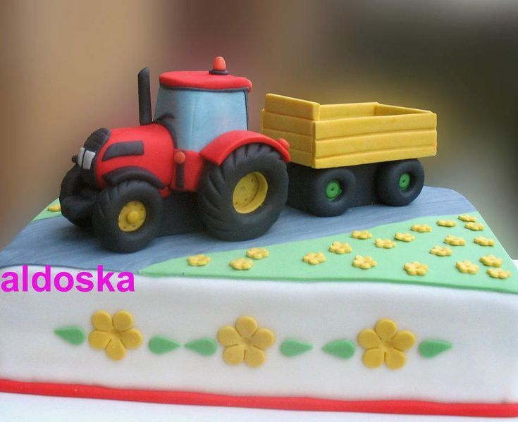Tractor For A Three Year Old Girl Her Grandmother Says That She Very Interes Backen Blech Chefko Traktor Torte Kinder Torten Geburtstagskuchen Kind