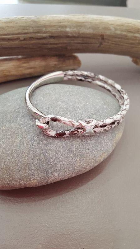 bracelet demi jonc  effet serpent gris