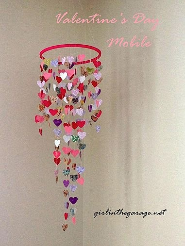 DIY- Valentine's Mobile {Hanging Hearts} I'm seeing LILLY print hearts!