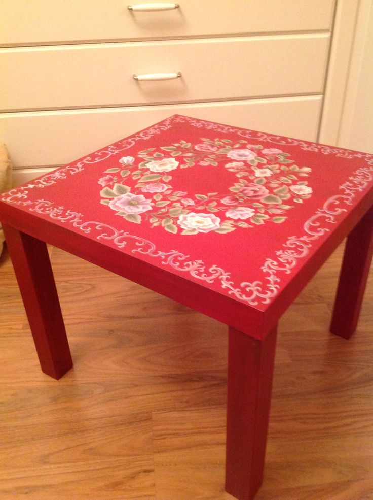Red Chinese table