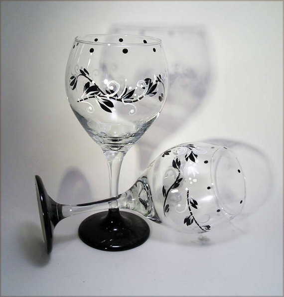 17 best images about wine glasses wine bottles on for Wine glass painting tutorial