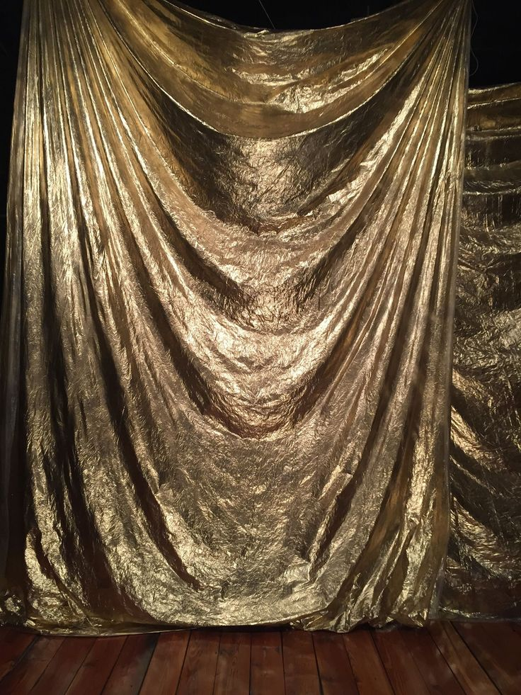 Gold backdrop. for your #Proposal www.a1000timesyes.com