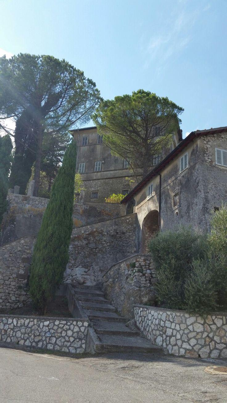 La chiesola e il palazzo del Marchese