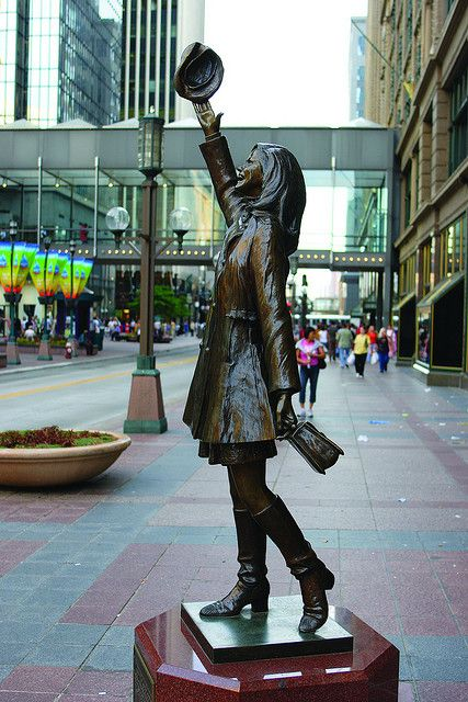 Mary Tyler Moore statue on Nicollet Mall downtown Minneapolis