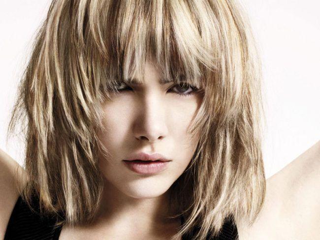 Модная стрижка градуированное каре (50 фото) — Варианты на средние и короткие волосы