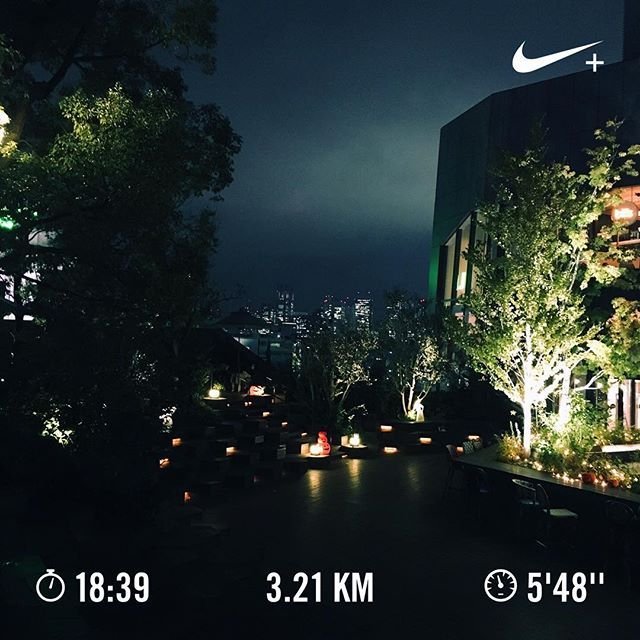 Instagram【miya_____kana】さんの写真をピンしています。 《04:30早朝ラン☁︎今日から完全朝型 . . 06:00から少しずつ起きる時間早めて04:30に到達 出社前に軽く走ったりお弁当作ったり自分の好きなことに時間が使えるなんて この上ない幸せ . picは小洒落た #スタバ #テラス . #ランニング #ジョギング #ナイキプラス #早朝ラン #朝型 #朝活 #朝時間 #弁当生活 #running #jogging #nikeplus #morningrun #asakatsu #morningactivity #starbucks #harajuku #遅寝早起き #早起きは3億の得 #スターバックスコーヒー #夜景 #写真》