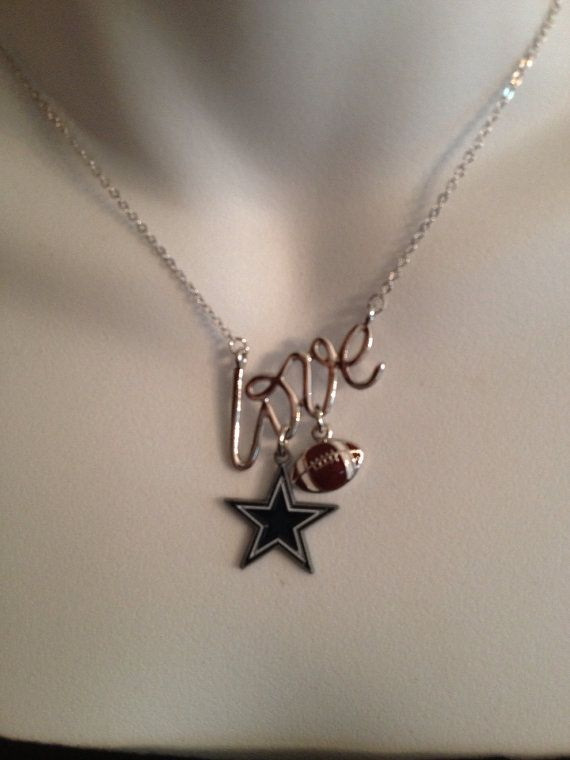 Dallas Cowboys necklace  by Beckyschunkystuff on Etsy