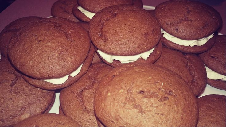 Easy Peasy Whoopie Pies from a Cake Mix     1 chocolate cake mix   Or white and add cocoa to make it chocolate flavor which I did since...