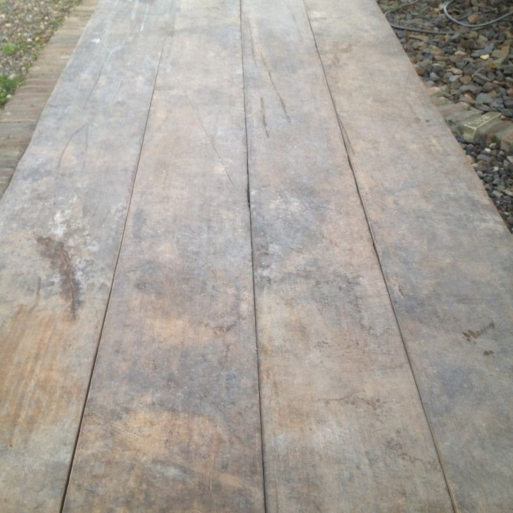 Stoere oude vergrijsd houten franse tafel blokpoten boerentafel eettafel