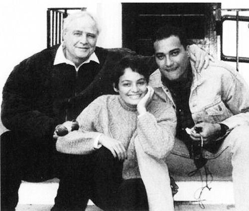 Marlon Brando Photo: Marlon Brando pictured with his children, Cheyenne and Teihotu Brando, 1991.