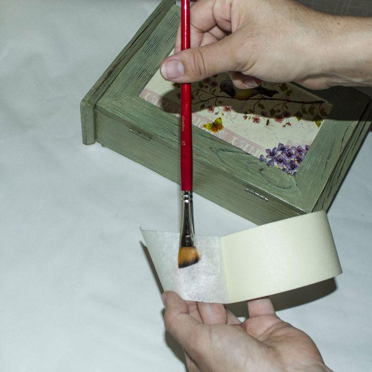 20  Рекомендую прочистить кисточку  с помощью молярного скотча.