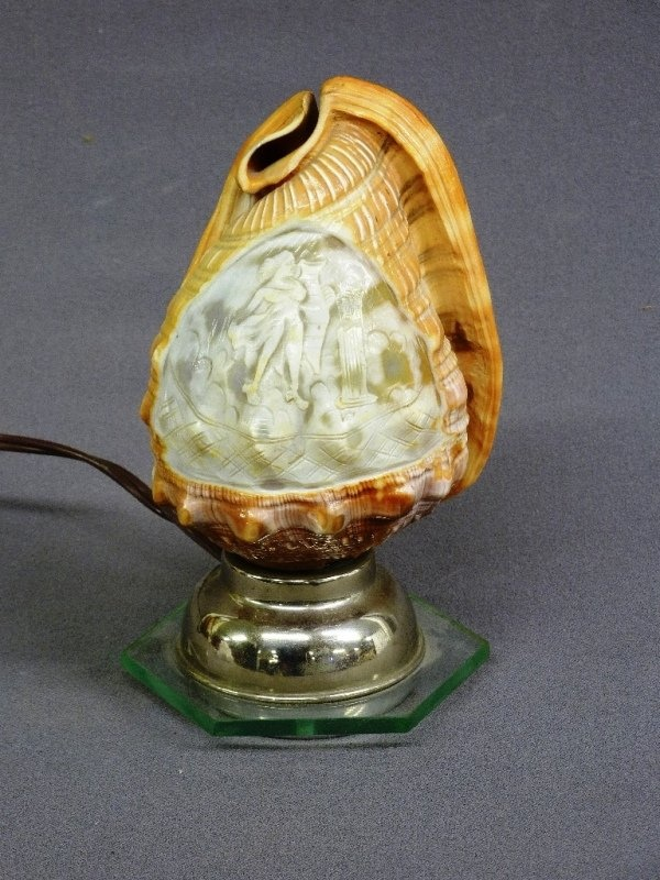 ART NOUVEAU CAMEO HAND CARVED SEA SHELL LAMP