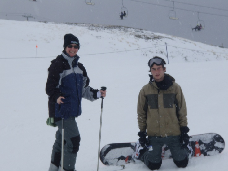 #great walker - Mum and son skiing