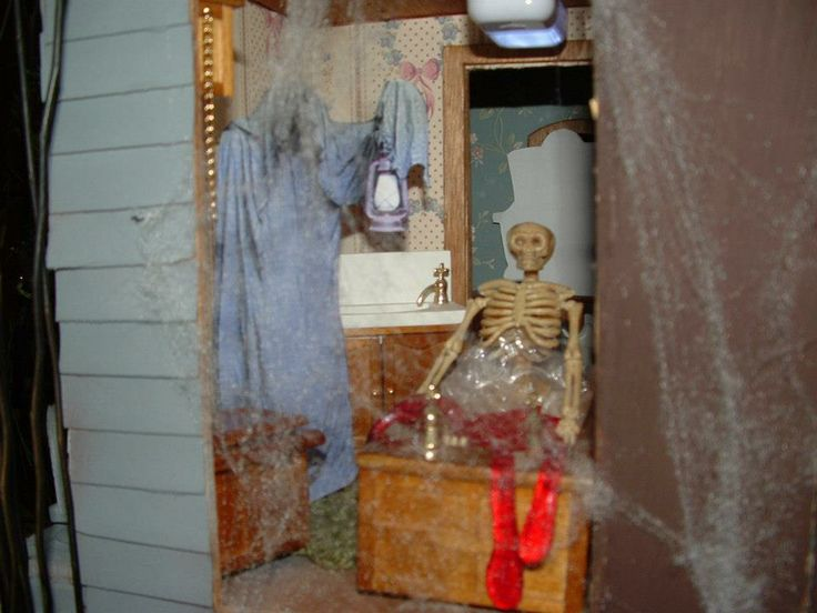 43 Best Images About Haunted Dollhouse On Pinterest