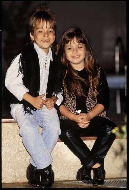 Estes não precisam de apresentação e nem de adivinhação. Sandy e Junior nasceram voltados para a música. Os filhos do sertanejo Xororó eram muito novos quando iniciaram suas carreiras, que continuam até hoje. Sandy tinha 7 anos, e Junior apenas 6.